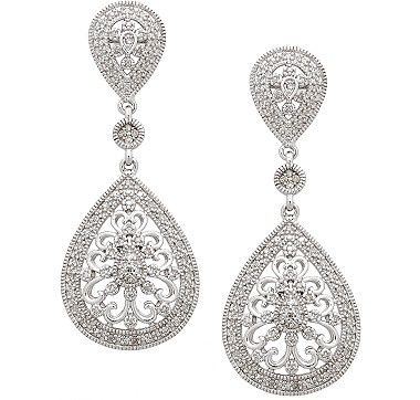 This pair of diamond vintage micro pave set drop sterling silver earrings from the Kohinoor Diamond Collection perfectly exemplifies the luxurious jewellery that queens and princesses have worn throughout the centuries.