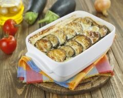 Gratin d'aubergines au fromage blanc : http://www.cuisineaz.com/recettes/gratin-d-aubergines-au-fromage-blanc-76154.aspx