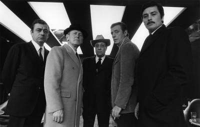 """Zum hinknien geiles Foto von den Dreharbeiten zu """"Le cercle rouge"""" von  André Perlstein, 1970. (""""Le cercle rouge"""" von Jean-Pierre Melville wird leider neben seinem """"Le Samourai"""" immer etwas stiefmütterlich behandelt, ist aber eigentlich der vollendetere Film.)"""