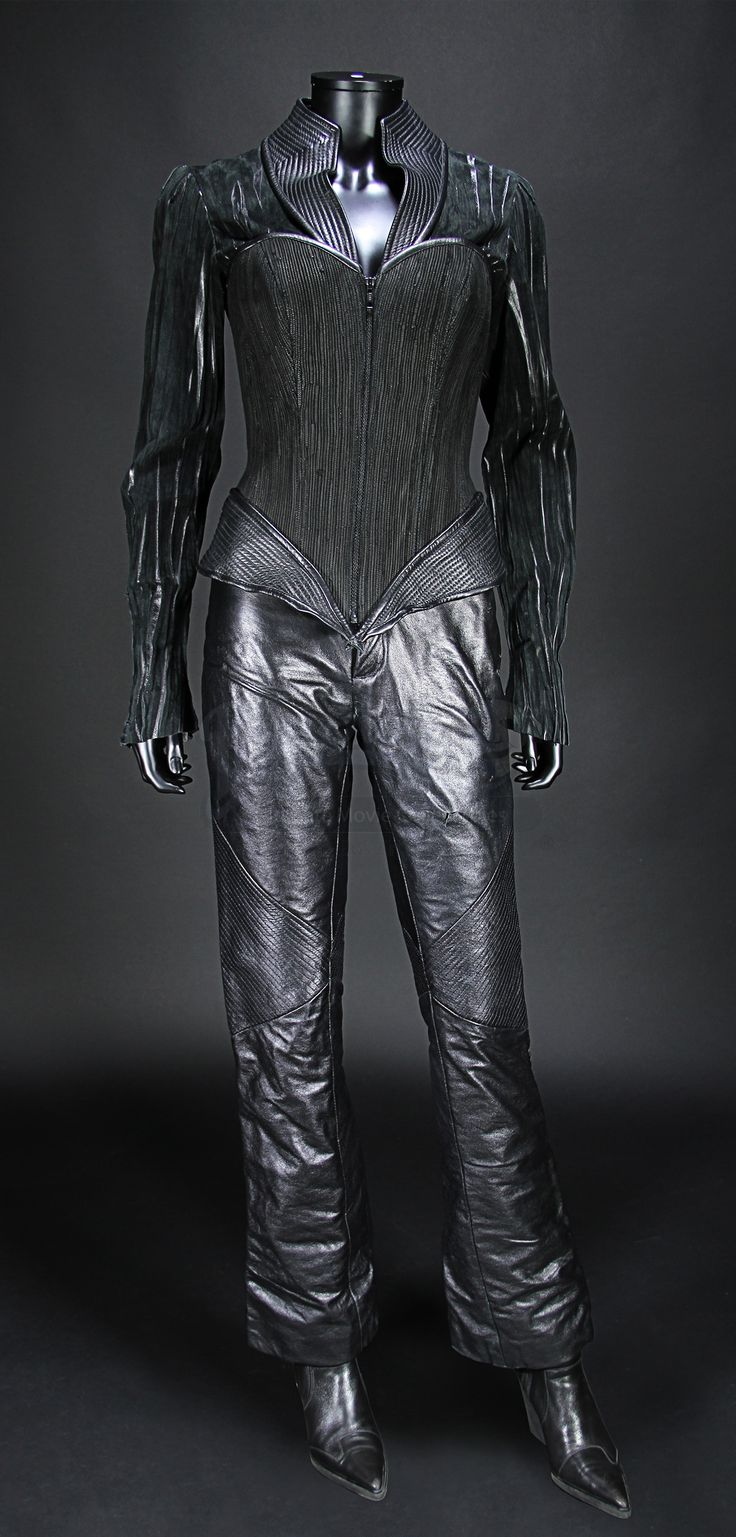 Lady Deathstrike (Kelly Hu) Costume and Boots                    Prop Store - Ultimate Movie Collectables