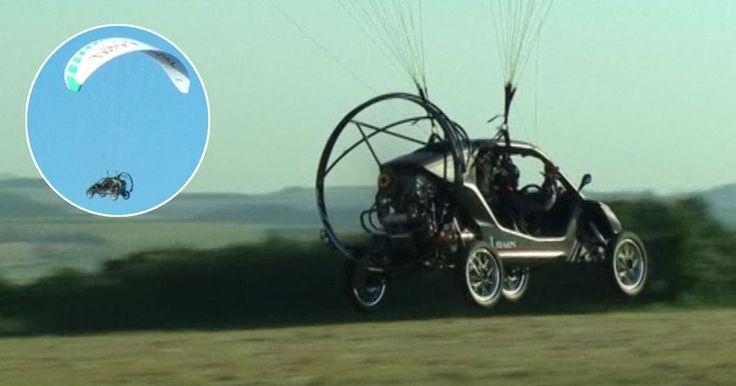 Француз Бруно Веццоли пересек пролив Ла-Манш на летающем автомобиле «Пегас», который представляет собой гибрид параплана и багги.