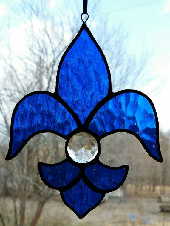 Fleur de Lis with clear faceted jewel stained glass