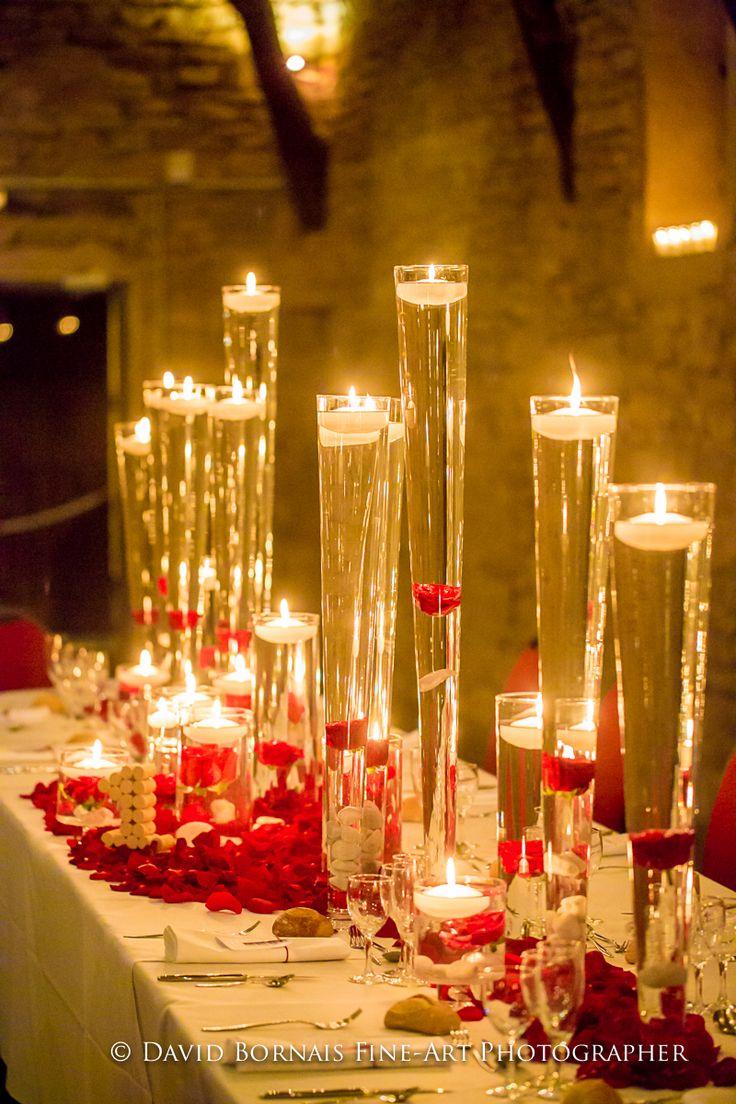 Wedding Planner Mars & Venus Mariage - Décoration Mariage Rouge - Roses rouges, bougies, vases, pétales ...