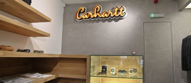 Carhartt is a US-based clothing family-owned company. With its headquarters strategically located in Dearborn, Michigan in the US, the company is well known for its high quality work clothes that range from coats to jackets, overalls, vests, coveralls, jeans, shirts and dungarees. The company was originally founded in Killeen, Texas in order to cater for the work clothing needs of railroad workers. They never let these workers down when it comes to production of long-lasting and durable work…