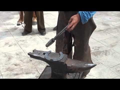 Curso herraje tradicional de caballos 5.8 - YouTube