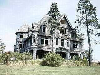 Carleton Island Villa, Carlton Island, New York (1895) has not been inhabited in over 60 years.