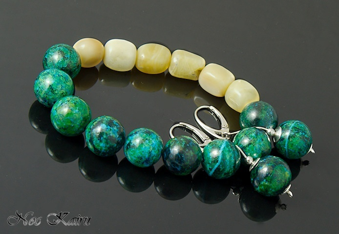 green and ivory bracelet with earings