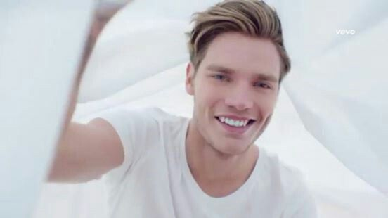 Dominic Sherwood as jace in the new tv show shadowhunters !!! I love me ♡♥♡♥♡♥