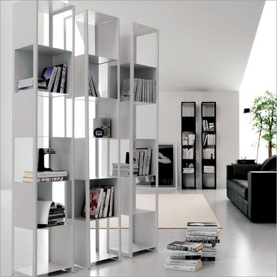 Joker libreria, design by Giorgio Cattelan, in acciaio verniciato, moderna e mutitasking, di grande impatto visivo.
