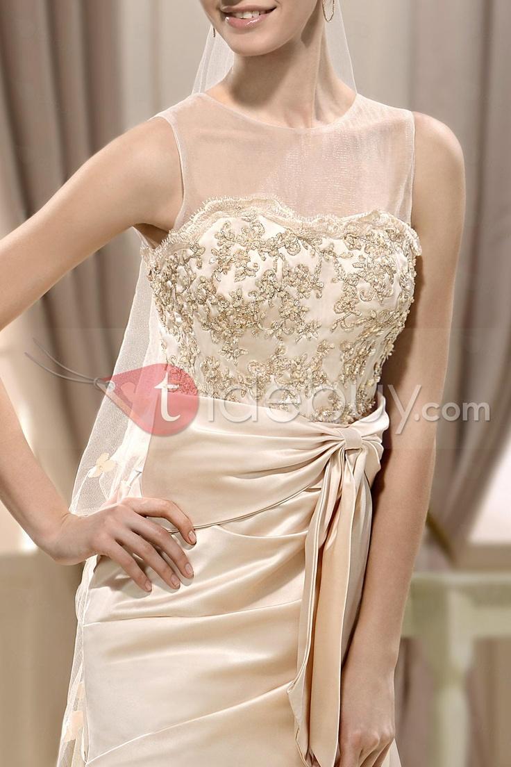 豪華なAラインバトー床長さチャペルアップリケウェディングドレス