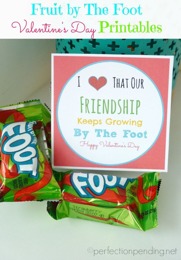 Fruit By The Foot Valentine's Day Printables! A super easy classroom Valentine! She has a birthday version too!
