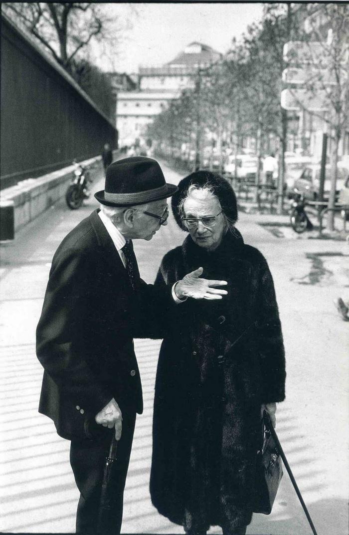 "Near le ""Jardin du Luxembourg"", Paris - Leonard Freed"