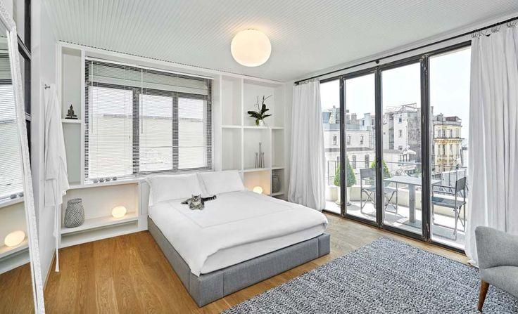 La chambre des maitres possède un petit plus : son balcon donnant sur la vieille partie d'Istanbul
