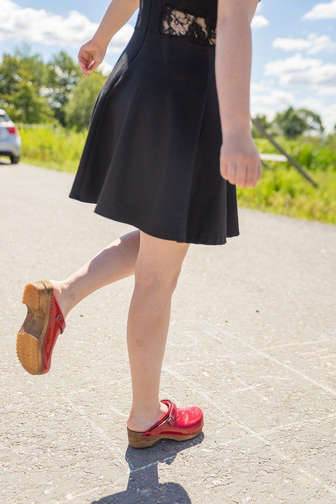 1dcc18255df3a0 Holzclogs - bequeme und stylische Schuhe