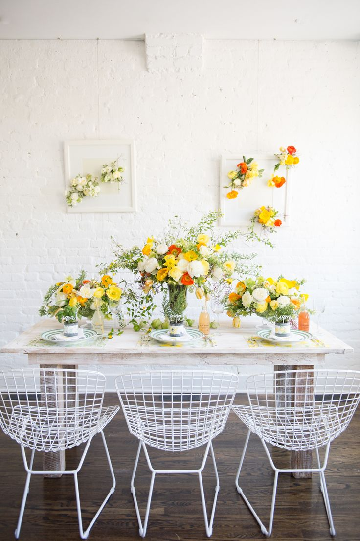How to throw the perfect spring party: Photography : Abby Jiu Photography Read More on SMP: http://www.stylemepretty.com/living/2017/03/20/tips-for-throwing-the-perfect-spring-party/