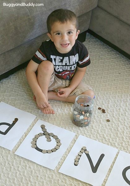 Easy Math (Money) Activity for Preschoolers: Sorting Coins Using Beginning Letter Sounds~ BuggyandBuddy.com