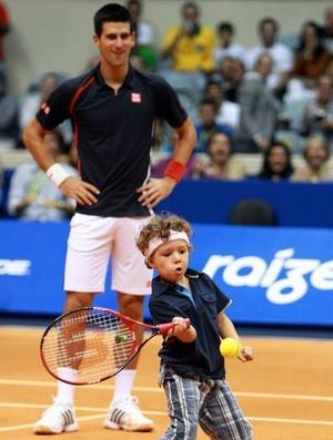 I WAS THERE!!! IT WAS GREAT!!!   Tênis Djokovic e Guga exibição ginásio do Maracanãzinho menino (Foto: Marcelo Régua / Agência Estado)