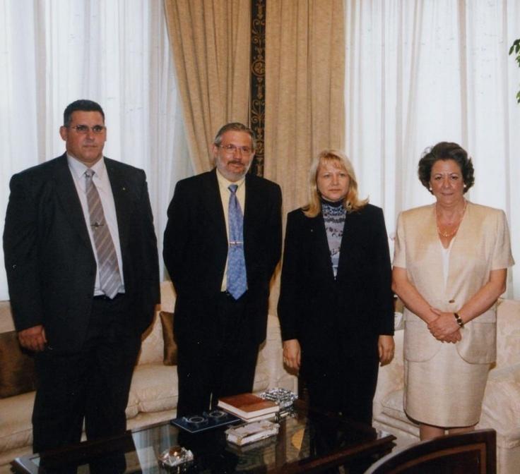 Dña. Rita Barbera, Ascensión Tejerina y Javier Jimenez - Ayuntamiento de Valencia ALCALDESA del CAP I CASAL del REGNE