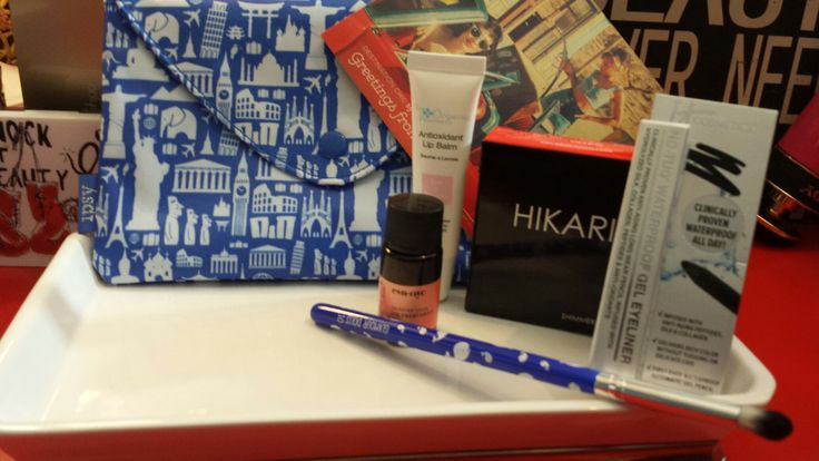 May Ipsy again, loved this bag.. opens like an envelope
