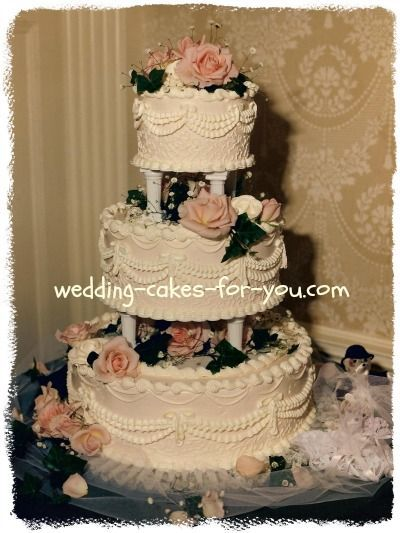 victorian wedding cake with old fashioned roses