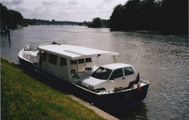 Vente bateau vulcain bleu Seine entre particuliers http://www.beaux-bateaux.com/property/vente-bateau-vulcain-seine-particulier/