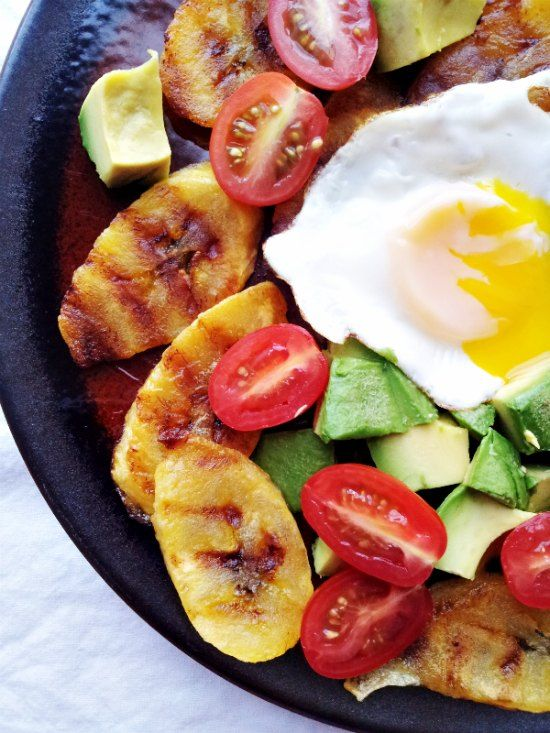 Grilled Plantain hash by supernummy.com #paleo #breakfast