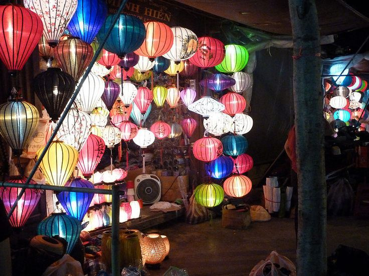 The lanterns of Hoi An, a Vietnamese city that prohibits artificial light during the full moon