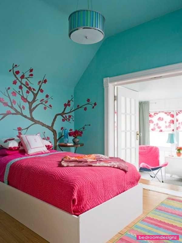 Superb Decor For Modern Blue Small Teen Bedroom Decorating Tips - http://www.bedroomdesignz.com/bedroom-decorating-ideas/superb-decor-for-modern-blue-small-teen-bedroom-decorating-tips.html