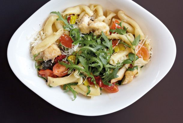 Unser beliebtes Rezept für Pasta Estiva und mehr als 55.000 weitere kostenlose Rezepte auf LECKER.de.