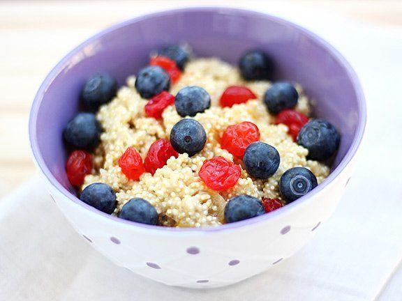 Breakfast-Quinoa - Eiweiß zum Frühstück | EAT SMARTER