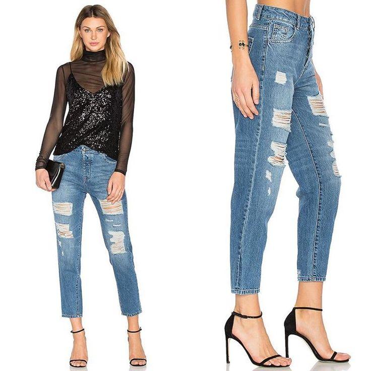 Эти яркие рваные джинсы из новой коллекции DL1961 идеально подойдут как для дневного гардероба, так и для вечернего. Подобрать себе эти модные и комфортные джинсы вы сможете в JiST, ул. Саксаганского 65  #spring #fashion #outfitidea: #stylish & #trendy #DL1961#jeans helps to create #chic #outfit #мода #стиль #тренды #джинсы #модно #стильно #вечеринка #новаяколлекция #киев