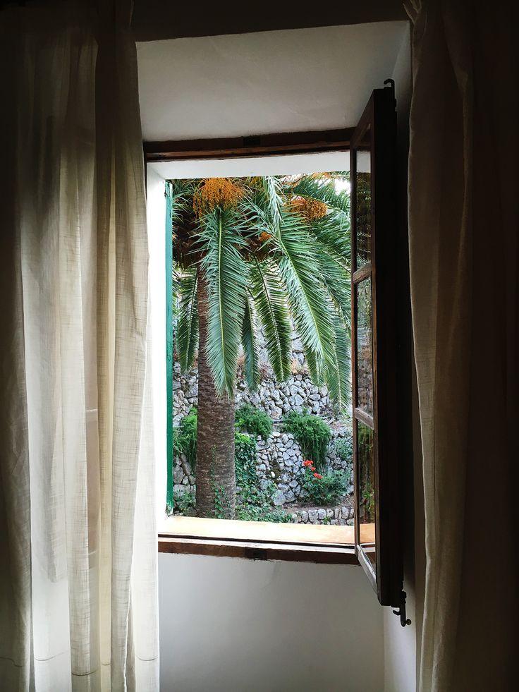 window, window treatments, curtains, gardiner, fönster inredning.