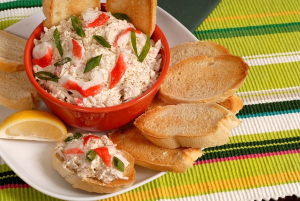 Appetizer Recipe: Creamy Crab Dip is warm dip that is easy to make/ bake. Serve with crackers or sliced french toasts