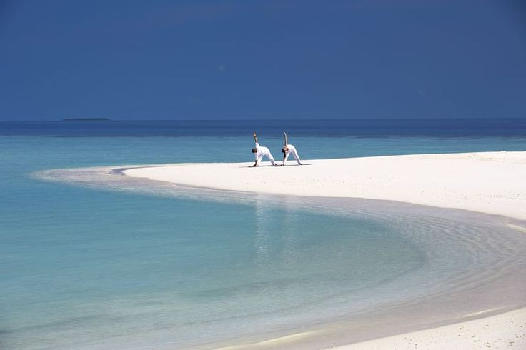 ranní jóga na pláži