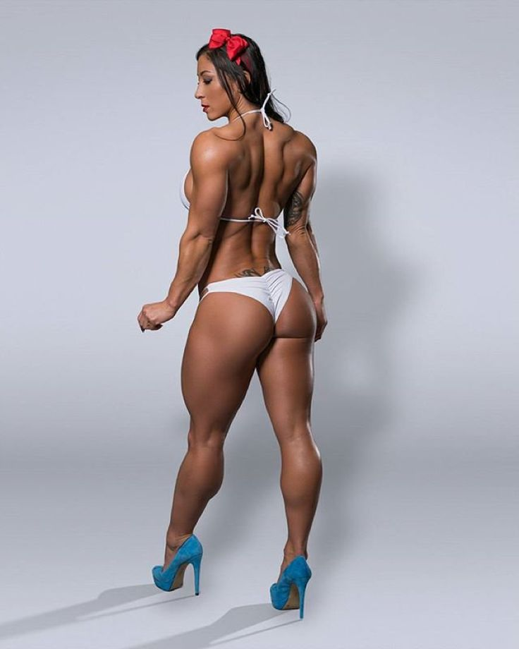 girls-with-muscle-thongs