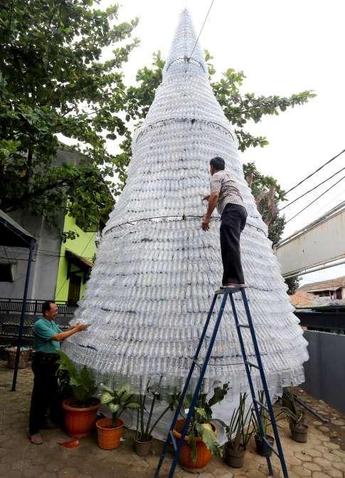 22 Dec 2016 - Christmas tree made of water bottles, - Pohan/ZUMA Wire/REX/Shutterstock
