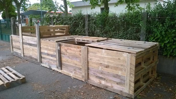 58 best images about compost solutions on pinterest diy compost bin construction and how to build. Black Bedroom Furniture Sets. Home Design Ideas