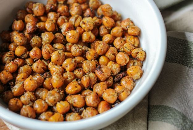 Best Thing Ever! I used 4 tsp dry ranch packet, 2 tbs oil and 1 can chickpeas. Best study snack!