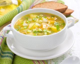 Soupe aux légumes à l'ancienne : http://www.fourchette-et-bikini.fr/recettes/recettes-minceur/soupe-vegetalienne-aux-legumes-lancienne.html