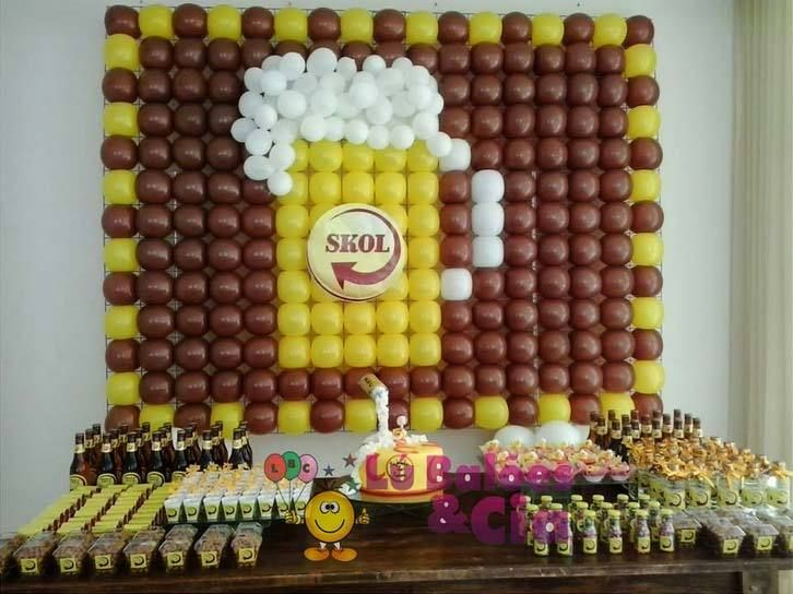 """Photo of """"SKOL"""" by Sarah Mustafa. It is a display #MadeWithBalloons™ in square grid balloon frames like REAL #GRIDZ balloon frames. See more pictures and articles at http://GRIDZ.info   ----- Learn  tools and skills to BUILDYOUR OWN #balloonart, VISIT http://JustRouseIt.com/RED ."""