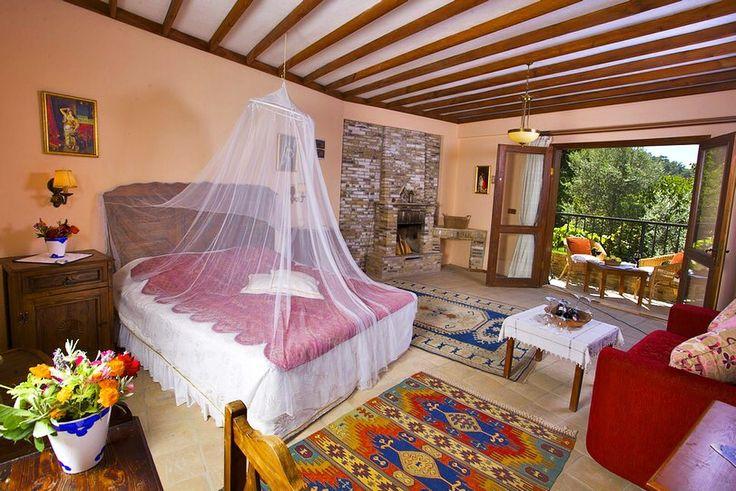 Kuşadası'nın adeta terapi sağlayan Kirazlı köyünde, doğayla başbaşa konfor ve huzur... odalarında #şömine   www.kucukoteller.com.tr/kusadasi-otelleri.html