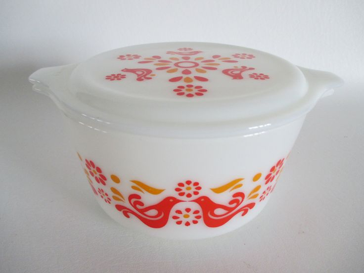 PYREX Friendship 1 qt Casserole Dish w/ Lid | Cinderella Bake Serve & Store Set | Birds Doves Red Orange Opal Penn Dutch | Vintage 70s | 472 by BeehiveBoutiques on Etsy