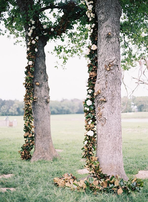 Magnolia Leaf Garland, Ceremony details, Wedding ceremony ideas, floral garland ideas, pic by Tec petaja, event planning & design by The Nouveau Romantics
