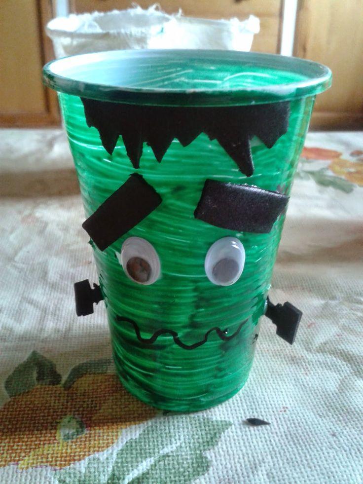 Consejos de Mamá Novata: Actividades para días de lluvias vasos de Halloween, mostruo de Frankenstein