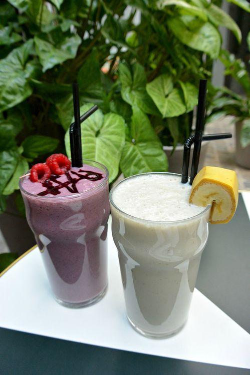 La recette des shakes aux proteines végétales du Klay, smoothie banane, framboise http://www.vogue.fr/vogue-hommes/beaute/diaporama/la-recette-des-smoothies-aux-proteines-vegetales-du-klay/21777#la-recette-des-smoothies-aux-proteines-vegetales-du-klay-2