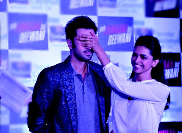 Deepika Padukone and Ranbir Kapoor promote 'Yeh Jawaani Hai Deewani'