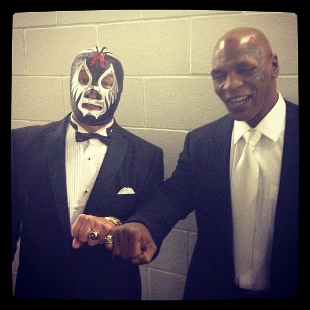Mil Mascaras and Mike Tyson at the 2012 WWE Hall of Fame induction ceremony. Awesome.