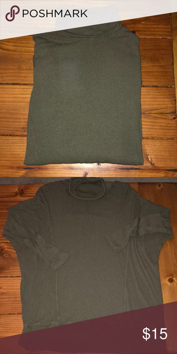 Turtle neck, dolman sleeve Forever 21 Top SUPER COMFY! Turtle neck, dolman sleeve olive top. Perfect with a pair of leggings and sneakers! Forever 21 Tops Sweatshirts & Hoodies