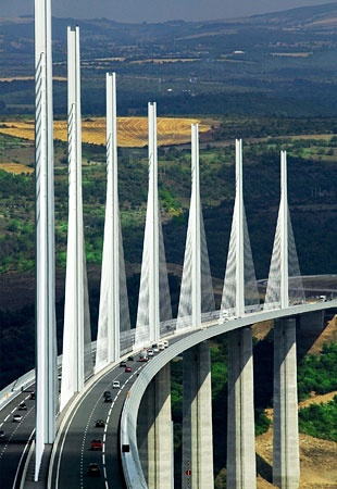 Millau Viaduct, Aveyron, Midi-Pyrénées (France).
