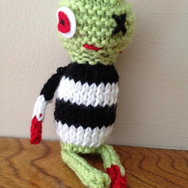 Zombie Knitting Pattern : Zombies knit puppy squeaky toy the knitty gritty